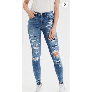 High wasted jegging ripped jeans